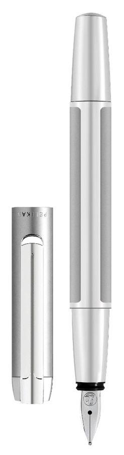 Ручка перьевая Pelikan Elegance Pura P40 (PL952028) серебристый F сталь нержавеющая подар.кор.