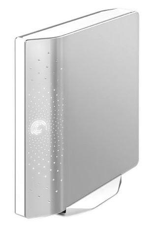 Внешний жесткий диск SEAGATE FreeAgent Desk ST306404FDD2E1-RK, 640Гб, серебристый