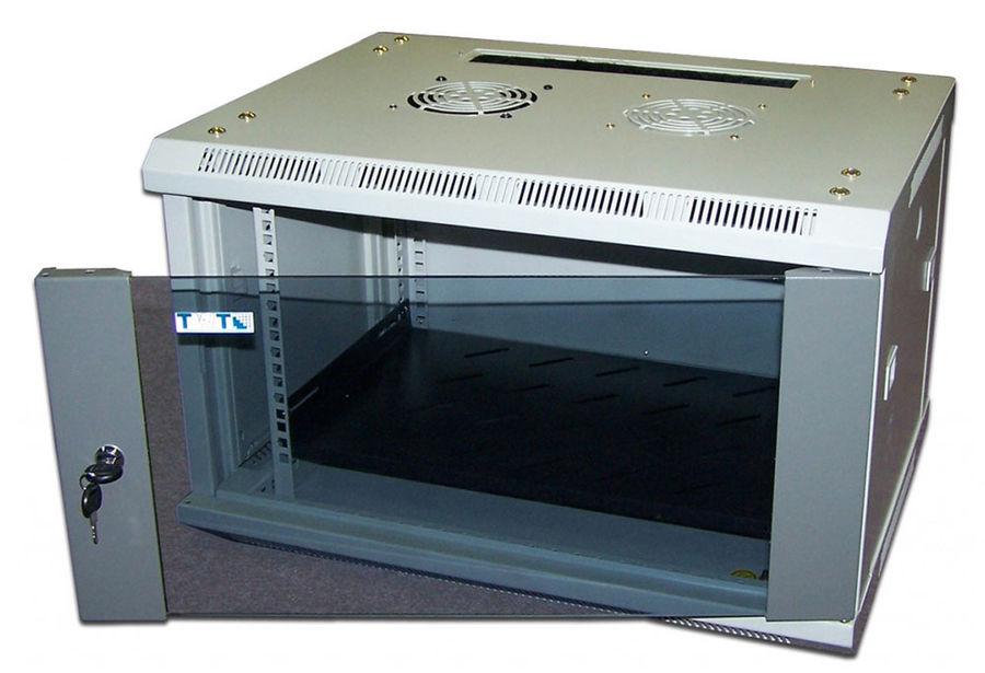 Шкаф настенный Lanmaster (TWT-CBW2-15U-6X6 ) 15U 600x600мм пер.дв.стекл съемные бок.пан. 60кг серый
