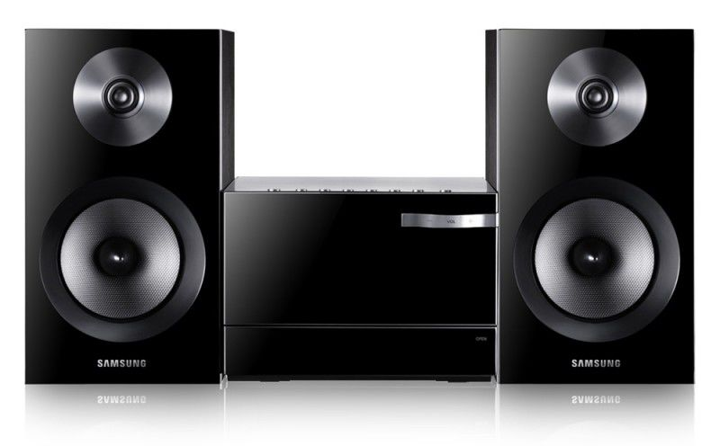 Музыкальный центр SAMSUNG MM-E330,  черный [mm-e330/ru]