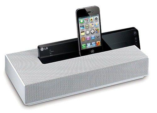 Док-станция LG ND4520 10W 2ch USB Audio In iPhone/iPod/iPad dock Bluetooth 6hrs from 6*AA bat.